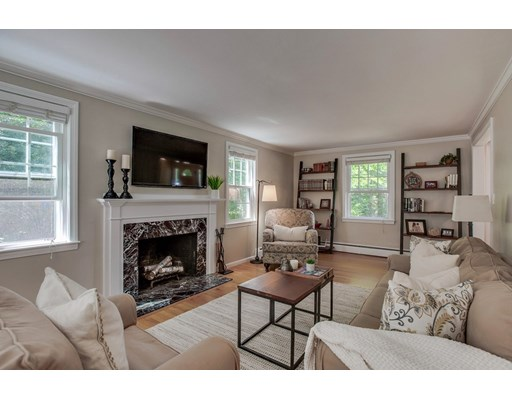 Picture 5 of 49 Whippoorwill Lane  Concord Ma 3 Bedroom Single Family