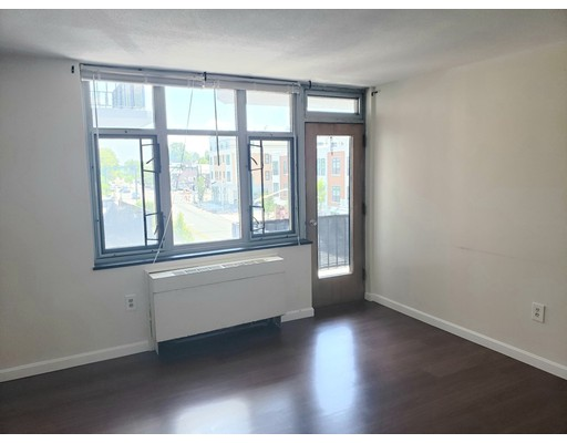 Picture 2 of 125 Trapelo Rd Unit 21 Belmont Ma 1 Bedroom Rental