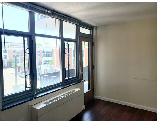 Picture 3 of 125 Trapelo Rd Unit 21 Belmont Ma 1 Bedroom Rental