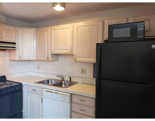 Picture 7 of 125 Trapelo Rd Unit 21 Belmont Ma 1 Bedroom Rental