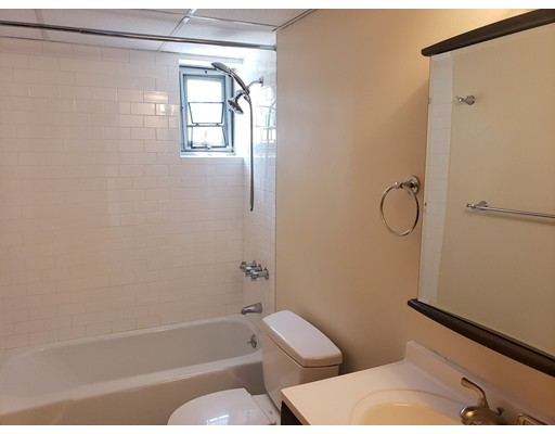 Picture 9 of 125 Trapelo Rd Unit 21 Belmont Ma 1 Bedroom Rental