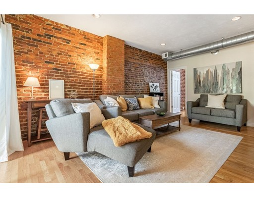 2 Beds, 1 Bath home in Boston for $475,000