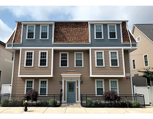 2 Beds, 2 Baths home in Boston for $699,900