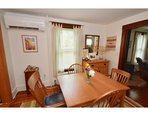 2 bed, 1 bath home in Amherst for $350,000