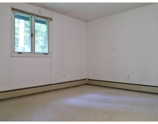 3 bed, 1 bath home in Amherst for $310,000