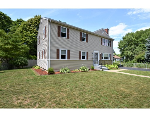 Picture 2 of 90 Albemarle Rd  Waltham Ma 5 Bedroom Multi-family