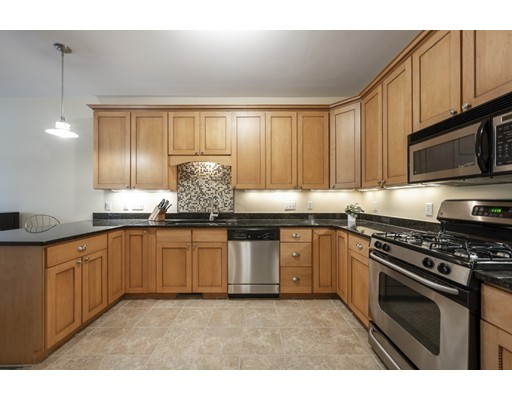Picture 8 of 144 Johnson Woods Dr Unit 144 Reading Ma 3 Bedroom Condo