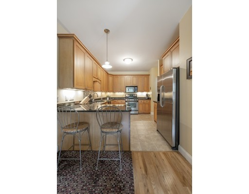 Picture 10 of 144 Johnson Woods Dr Unit 144 Reading Ma 3 Bedroom Condo