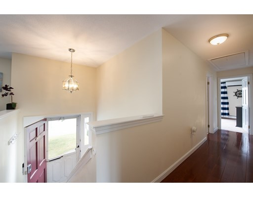 Picture 10 of 14 Manchester Pl  Natick Ma 3 Bedroom Single Family