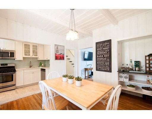2 Dixfield St, Boston, Massachusetts, MA 02127, 4 Bedrooms Bedrooms, 7 Rooms Rooms,Rental,For Rent,4853896