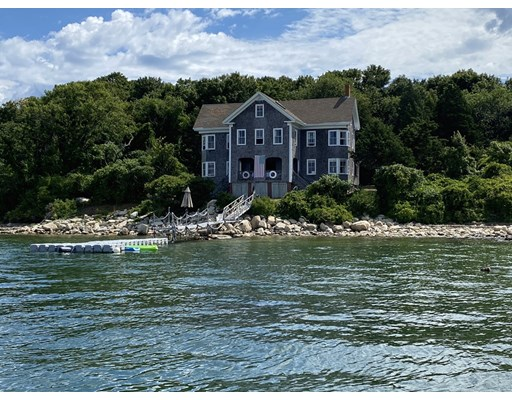 Photo of  Clarks Island