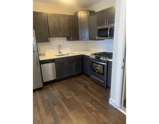 290 E 8th St, Boston, Massachusetts, MA 02127, 2 Bedrooms Bedrooms, 4 Rooms Rooms,Rental,For Rent,4854856
