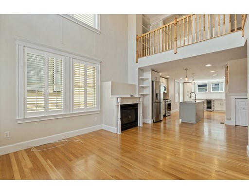 Photo of 124 Bunker Hill St #2