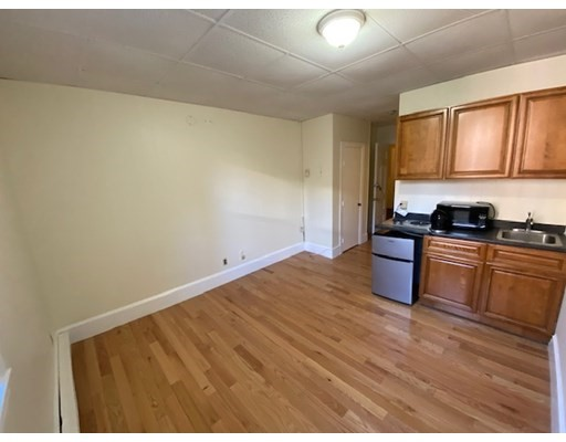 868 Beacon, Boston, Massachusetts, MA 02215, 2 Rooms Rooms,Rental,For Rent,4860097