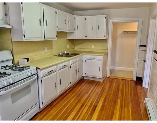 357 Hanover Street, Boston, Massachusetts, MA 02113, 2 Bedrooms Bedrooms, 4 Rooms Rooms,Rental,For Rent,4860546