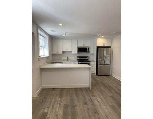 190 Pleasant, Marblehead, Massachusetts, MA 01945, 1 Room Rooms,Rental,For Rent,4849026