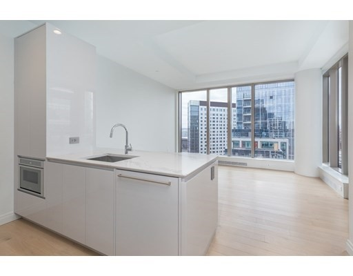 133 Seaport Boulevard #1807 Floor 18