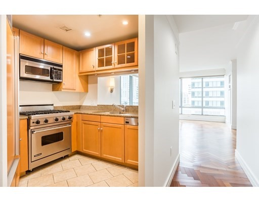 1 Avery St #12D