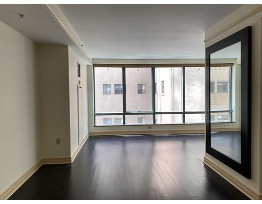 3 Avery #701 Floor 7