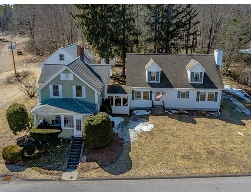 3 Newton St, Barre, Massachusetts, MA 01005, 7 Bedrooms Bedrooms, 15 Rooms Rooms,4 BathroomsBathrooms,Multi-family,For Sale,4899387