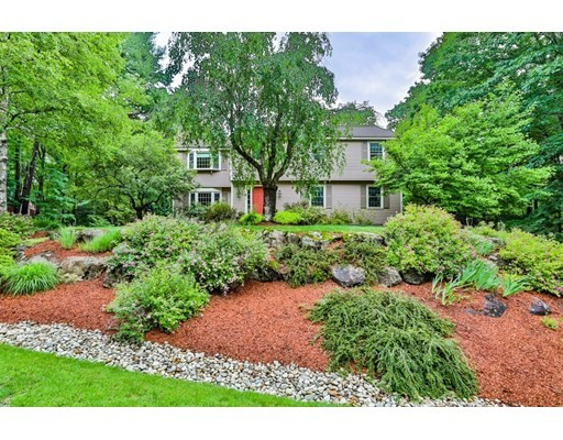 5 Crestwood Court, Amherst, New Hampshire, NH 03031, 4 Bedrooms Bedrooms, 9 Rooms Rooms,2 BathroomsBathrooms,Single Family,For Sale,4912954