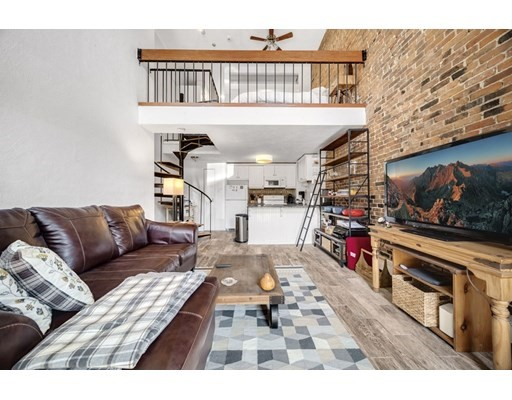 22 Beacon St, Chelsea, Massachusetts, MA 02150, 1 Bedroom Bedrooms, 5 Rooms Rooms,Condos,For Sale,4913017