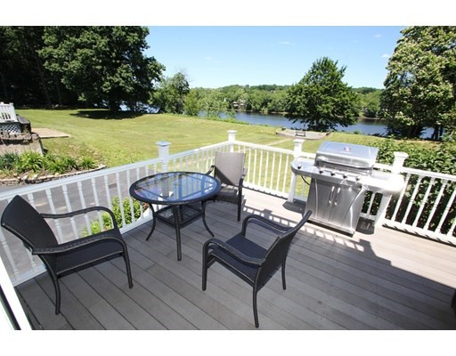 77 Riverdale Avenue, Haverhill, Massachusetts, MA 01835, 2 Bedrooms Bedrooms, 6 Rooms Rooms,Condos,For Sale,4913020