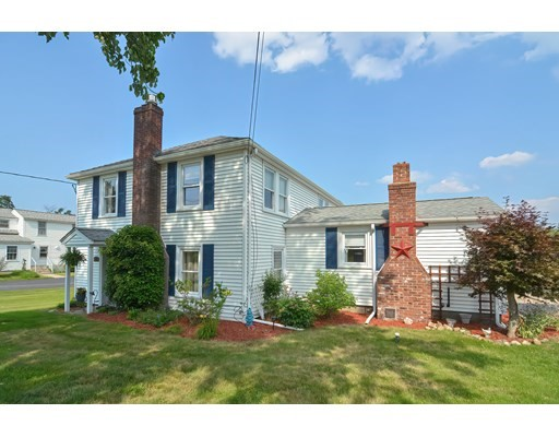 26 Blackstone St, Mendon, Massachusetts, MA 01756, 3 Bedrooms Bedrooms, 5 Rooms Rooms,2 BathroomsBathrooms,Single Family,For Sale,4924559