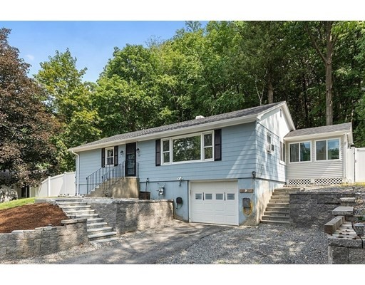 115 North St, Leominster, Massachusetts, MA 01453, 3 Bedrooms Bedrooms, 6 Rooms Rooms,2 BathroomsBathrooms,Single Family,For Sale,4924584