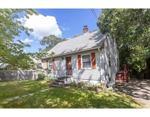 391 Columbian St, Weymouth, Massachusetts, MA 02190, 3 Bedrooms Bedrooms, 6 Rooms Rooms,1 BathroomBathrooms,Single Family,For Sale,4936070