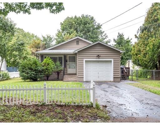 8 Morris St, Webster, Massachusetts, MA 01570, 2 Bedrooms Bedrooms, 4 Rooms Rooms,1 BathroomBathrooms,Single Family,For Sale,4936071