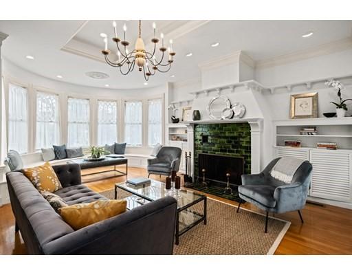 167 Salisbury, Brookline, Massachusetts, MA 02445, 3 Bedrooms Bedrooms, 8 Rooms Rooms,Condos,For Sale,4947697