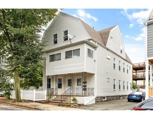 31-33 Aberdeen Road, Somerville, Massachusetts, MA 02144, 6 Bedrooms Bedrooms, 14 Rooms Rooms,3 BathroomsBathrooms,Multi-family,For Sale,4948194