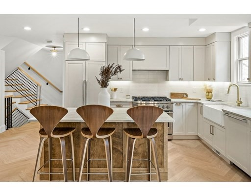 16-18 Dover Street, Cambridge, Massachusetts, MA 02140, 4 Bedrooms Bedrooms, 8 Rooms Rooms,Condos,For Sale,4947995