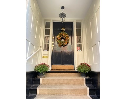 86 Myrtle St, Boston, Massachusetts, MA 02114, 4 Bedrooms Bedrooms, 9 Rooms Rooms,3 BathroomsBathrooms,Single Family,For Sale,4948810