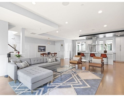 115 Dresser St., Boston, Massachusetts, MA 02127, 3 Bedrooms Bedrooms, 6 Rooms Rooms,Condos,For Sale,4948562