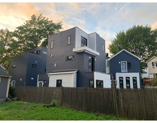 41 Webster Avenue, Cambridge, Massachusetts, MA 02141, 4 Bedrooms Bedrooms, 6 Rooms Rooms,Condos,For Sale,4948724