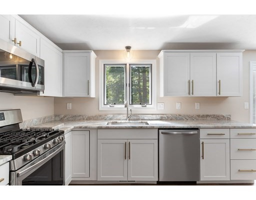11 Spring, Millis, Massachusetts, MA 02054, 3 Bedrooms Bedrooms, 7 Rooms Rooms,Condos,For Sale,4949168