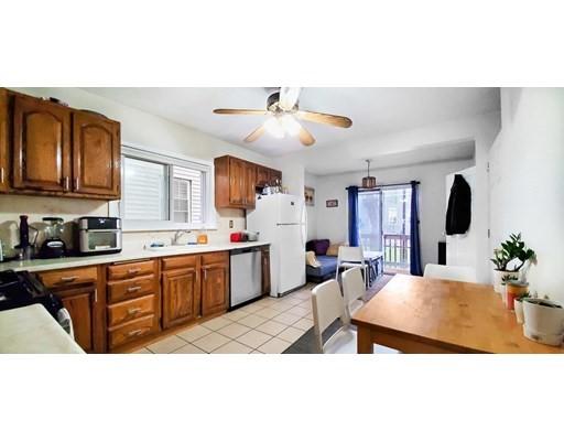 469 Windsor St, Cambridge, Massachusetts, MA 02141, 4 Bedrooms Bedrooms, 7 Rooms Rooms,Residential Rental,For Rent,4949082