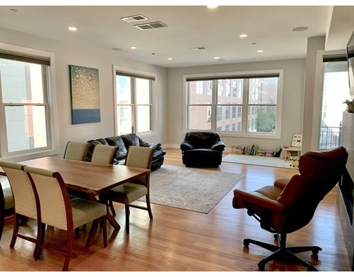 45 A, Boston, Massachusetts, MA 02127, 2 Bedrooms Bedrooms, 6 Rooms Rooms,Residential Rental,For Rent,4949100