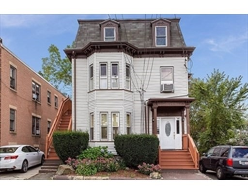 35 Maple St., Waltham, Massachusetts, MA 02453, 4 Bedrooms Bedrooms, 7 Rooms Rooms,Residential Rental,For Rent,4949105