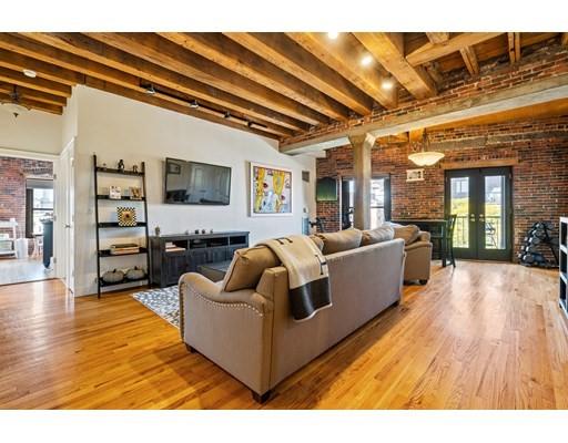 28 Atlantic Ave, Boston, Massachusetts, MA 02110, 2 Bedrooms Bedrooms, 5 Rooms Rooms,Residential Rental,For Rent,4949109