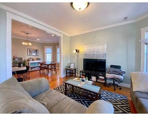 19 Belknap, Somerville, Massachusetts, MA 02144, 2 Bedrooms Bedrooms, 5 Rooms Rooms,Residential Rental,For Rent,4949112