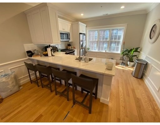 18 Common, Waltham, Massachusetts, MA 02451, 2 Bedrooms Bedrooms, 4 Rooms Rooms,Residential Rental,For Rent,4949113