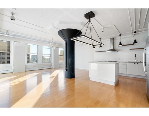 210 South, Boston, Massachusetts, MA 02111, 2 Bedrooms Bedrooms, 3 Rooms Rooms,Residential Rental,For Rent,4949129