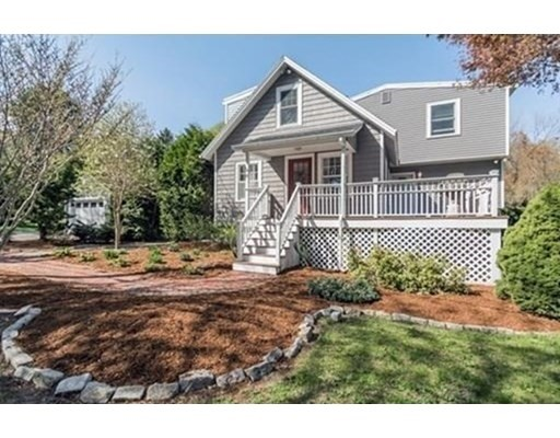 8 Highland Ave, Andover, Massachusetts, MA 01810, 3 Bedrooms Bedrooms, 9 Rooms Rooms,2 BathroomsBathrooms,Single Family,For Sale,4949400