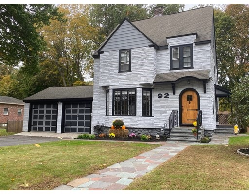 92 Moore Ave, Worcester, Massachusetts, MA 01602, 4 Bedrooms Bedrooms, 8 Rooms Rooms,1 BathroomBathrooms,Single Family,For Sale,4949415