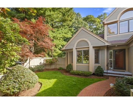 7 Wainwright Rd, Winchester, Massachusetts, MA 01890, 3 Bedrooms Bedrooms, 11 Rooms Rooms,Condos,For Sale,4951059
