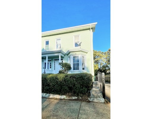 39 Amherst St, Boston, Massachusetts, MA 02131, 4 Bedrooms Bedrooms, 10 Rooms Rooms,Condos,For Sale,4950331