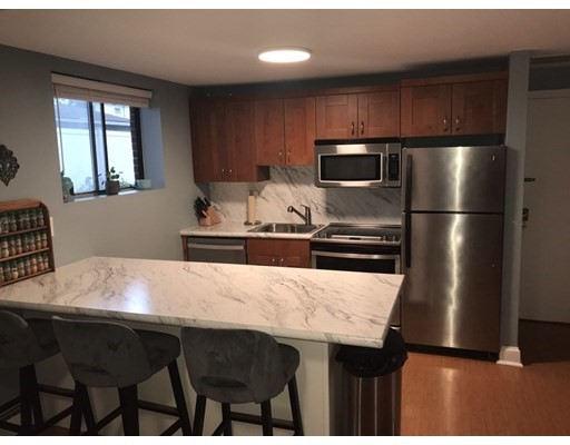 3 Richardson St, Wakefield, Massachusetts, MA 01880, 1 Bedroom Bedrooms, 3 Rooms Rooms,Condos,For Sale,4950335